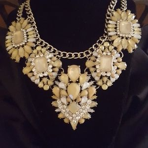 Jewelry - RUNWAY FASHION NECKLACE Rhinestones Taupe/Tan New!